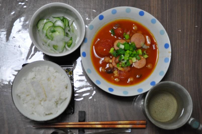 豆類とソーセージのトマト煮