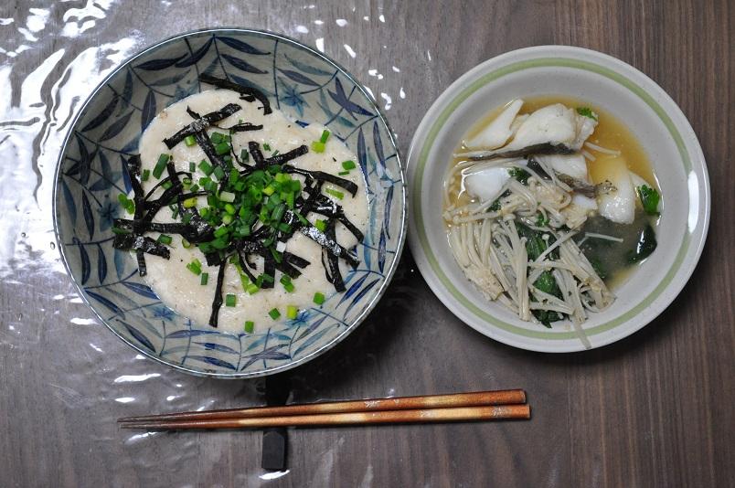 山かけご飯と白身魚と春菊とえのきの鍋(風)
