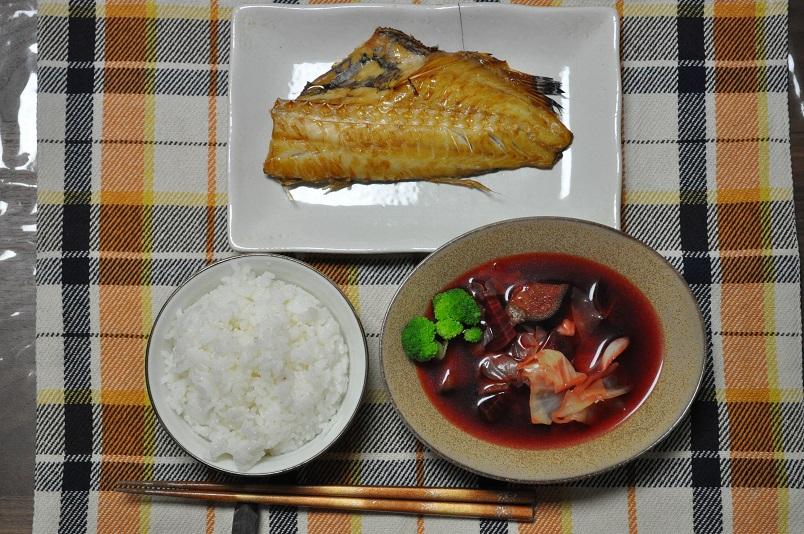 ビーツのスープ・赤魚のみりん干し焼き